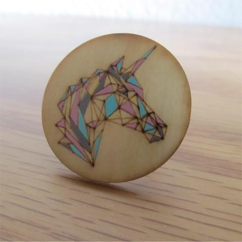 Anillo unicornio madera