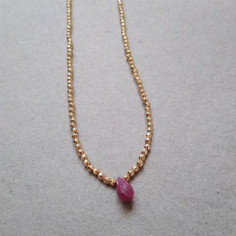 Collar doble con rubí y perlas